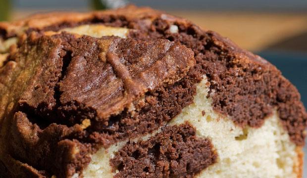 Gâteau Marbré au Chocolat en Poudre